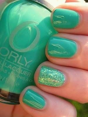 the big girl tutu for your nails! all mature except the one sparkly nail