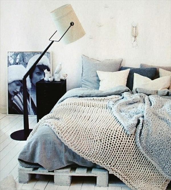 Paletové nápady sú veľmi populárne. Z paliet si dokážete vyrobiť takmer každý kus nábytku. Palety sú vhodné ako nábytok pre exteriér, ale aj interiér. Ak si plánujete vyrobiť posteľ z paliet a chýbajú vám inšpirácie, pozrite si...
