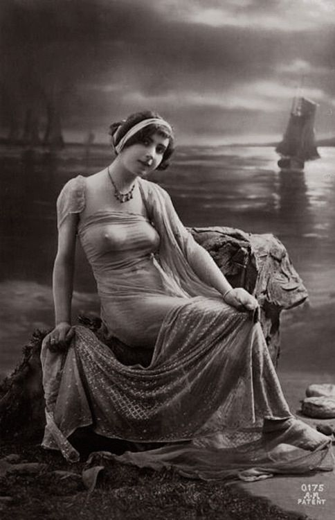 Gorgeous vintage image with an assiut shawl.