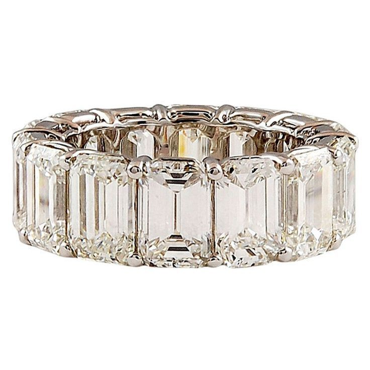 HARRY WINSTON Emerald Cut Diamond Eternity Band