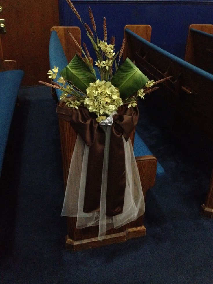 wedding decorations for church chairs how to decorate the church pews for a wedding 9107