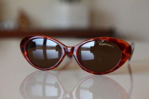 Vintage Cat Eye Sunglasses Golden Frame/ Brown/ Golden Brown Lenses