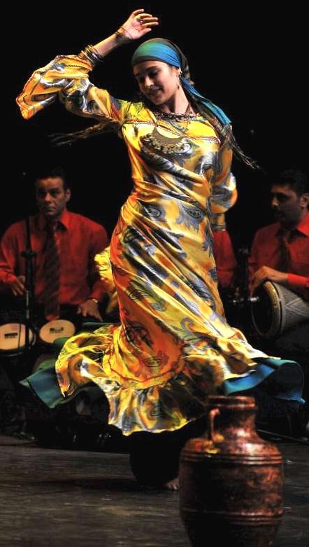 Les Rives d'Assouan, un spectacle traditionnel merveilleux qui vous fera découvrir l'Egypte des années 1920 à nos jours.
