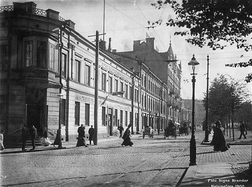 Signe Brander: Itäinen Heikinkatu (nyk. Mannerheimintie, Stockmannin kulma), 1908  © Helsingin kaupunginmuseo