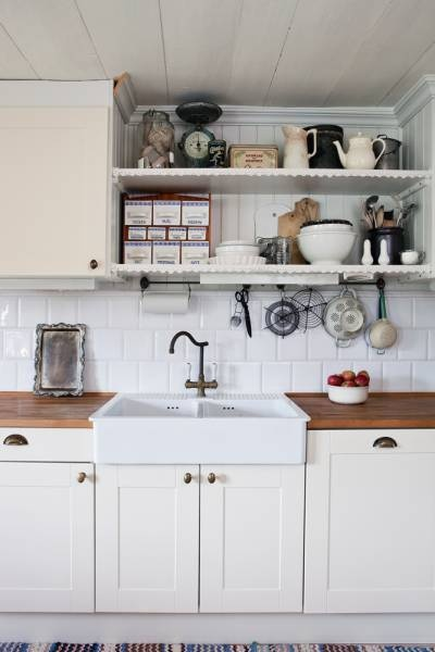 Love the sink, taps and work surfaces.