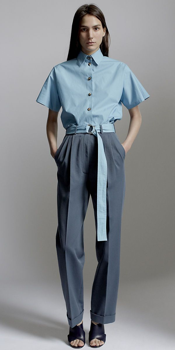 CÉLINE 2014 Spring ready to wear look 17 LAGOON COTTON POPLIN SHIRT, TEAL COTTON DRILL TROUSERS, 110MM CRISS CROSS SANDAL IN CALFSKIN NAVY & CANVAS NATURAL & PYTHON CREAM