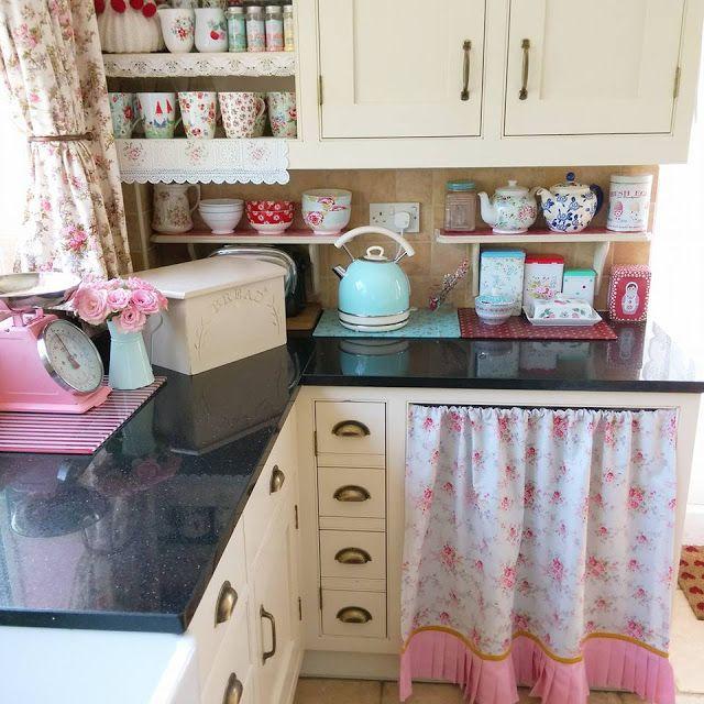 The 25+ best Vintage kitchen ideas on Pinterest   Cozy ...
