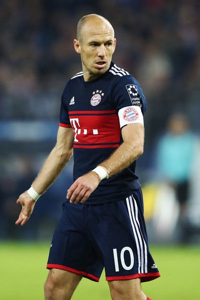 Arjen Robben of Muenchen appears frustrated during the Bundesliga match between Hamburger SV and FC Bayern Muenchen at Volksparkstadion on October 21, 2017 in Hamburg, Germany.