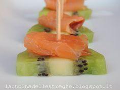 Antipasto di kiwi e salmone affumicato