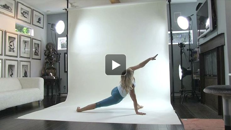 This video presents an energizing mandala (circular) namaskar flow sequence that'll have you traveling around your mat and will enliven your entire body.