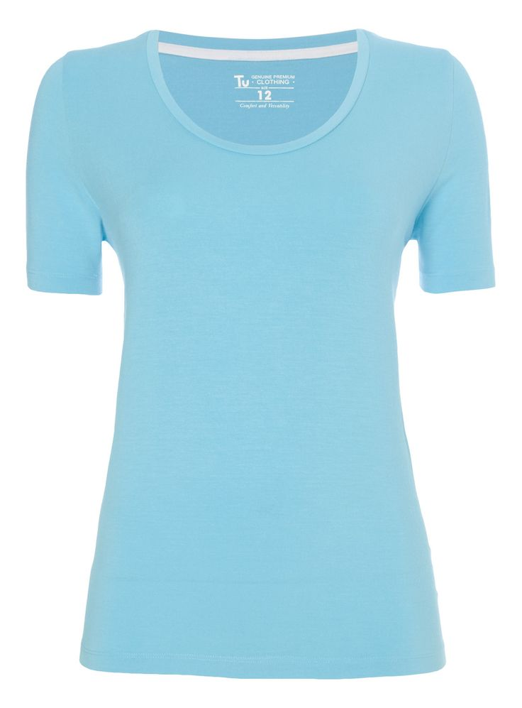 Stock up on your daily basics with this plain blue tee, designed with a classic crew neck and lenzing modal for a soft touch. Blue plain t-shirt Crew neck Short sleeves Lenzing modal Model's height is 5'11