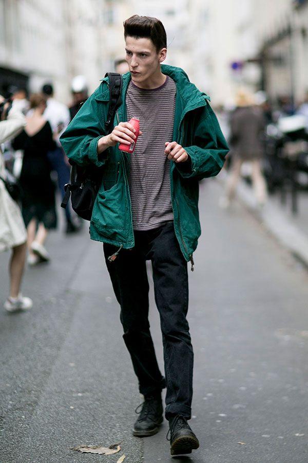 2016-11-03のファッションスナップ。着用アイテム・キーワードはデニム, バッグ, ブーツ, ボーダーシャツ, マウンテンパーカー, 黒パンツ, Tシャツ,etc. 理想の着こなし・コーディネートがきっとここに。| No:174115