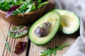 Avocado for dinner: Gorgeous recipe for a creamy avocado pasta with rocket salad.