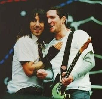 ANTHONY KIEDIS, JOHN FRUSCIANTE, Red Hot Chili Peppers