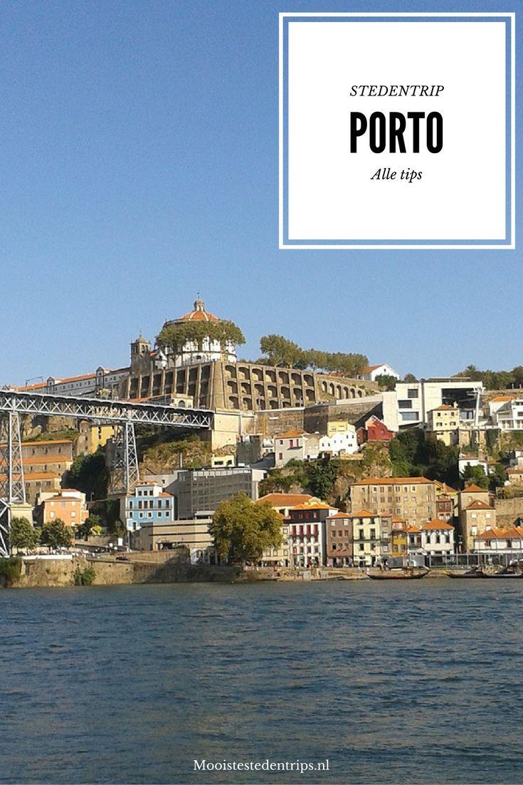 Vanuit de oude stad van Porto heb je een prachtig uitzicht over de Douro. Bekijk alle tips voor een stedentrip Porto.