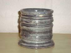 KÄHLER (Herman A. Kähler) pot by SVEND HAMMERSHØI. H: 9 cm D: 9,5 cm from 1915-16. Signed HAK 390. #kahler #ceramics #pottery #hak #svend #hammershoei #pot #dansk #keramik #krukke #danish. SOLGT/SOLD.