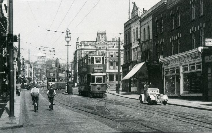 Holloway Road (Archway) looking north 1950's.