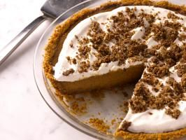 Bobby's Pumpkin Pie with Cinnamon Crunch and Bourbon-Maple Whipped Cream : Bobby spruces up his Throwdown pie with bourbon whipped cream.