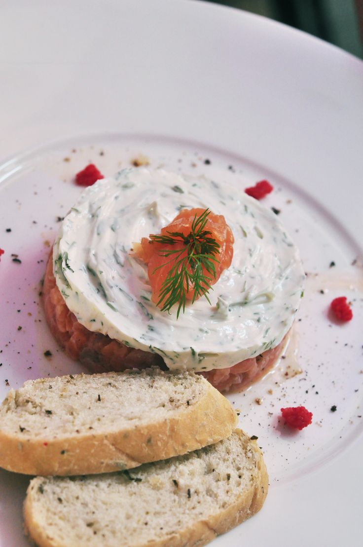 tatar z łososia / salmon tartare