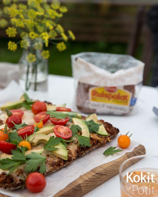 Kokit ja Potit -ruokablogi: Tacopiirakka ruisleipäpohjalla