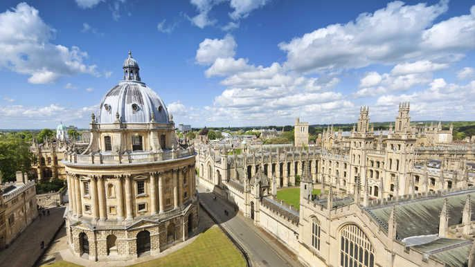 Oxford & Cambridge Small Group Day Tour with Free Lunch Pack