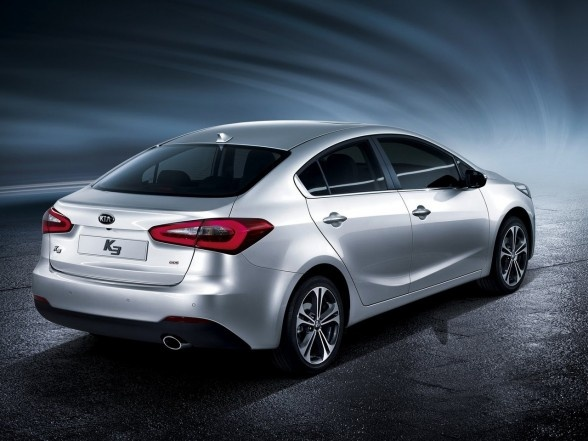 2013 Kia Cerato Review and picture- Longer, lower and wider than the current car, with an extended wheelbase, the next generation Kia Cerato (also known as Forte in some countries) will be manufactured with an all-new bodyshell structure.