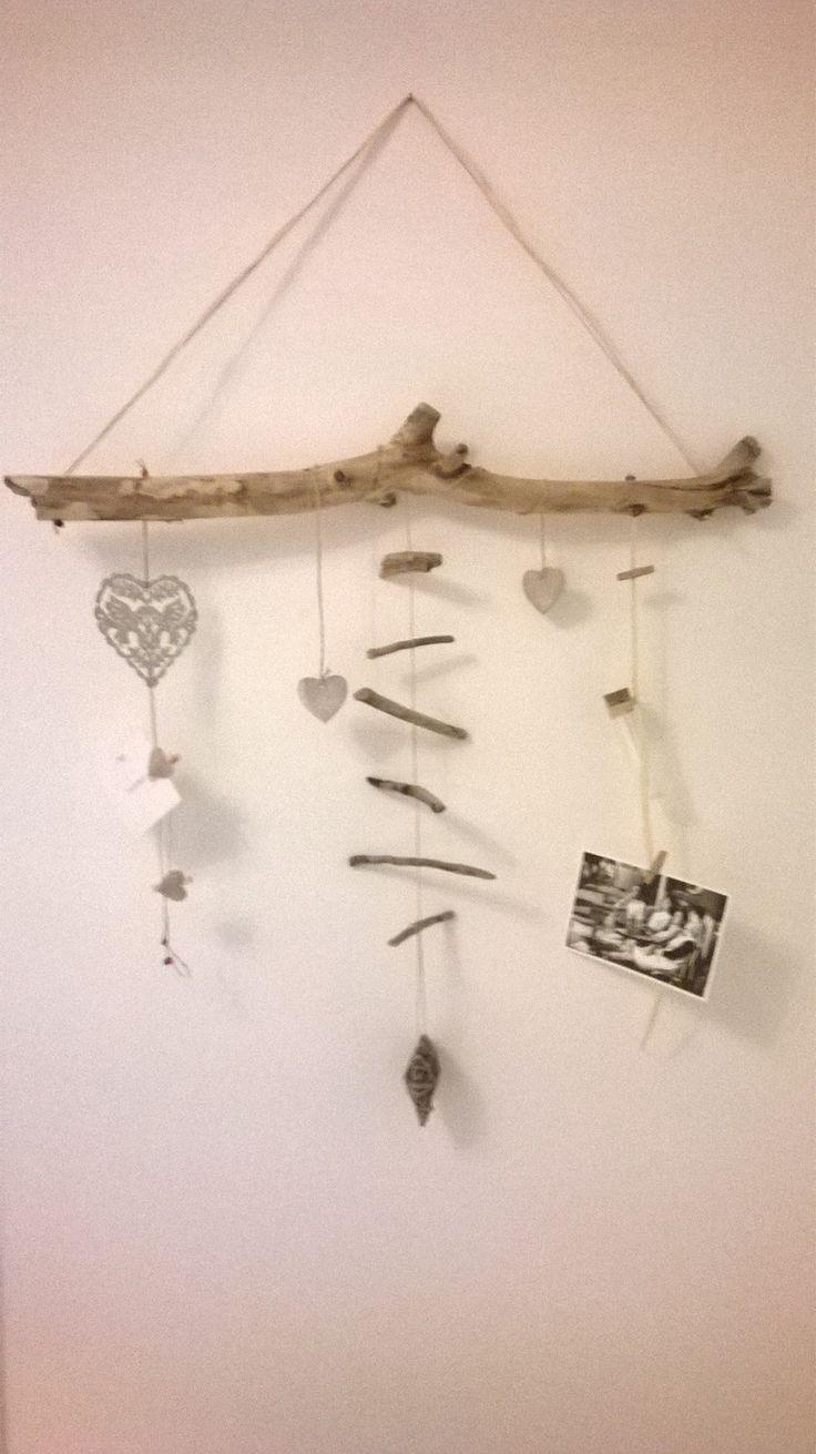 Emejing chambre avec bois flotte contemporary seiunkel for Guirlande bois deco