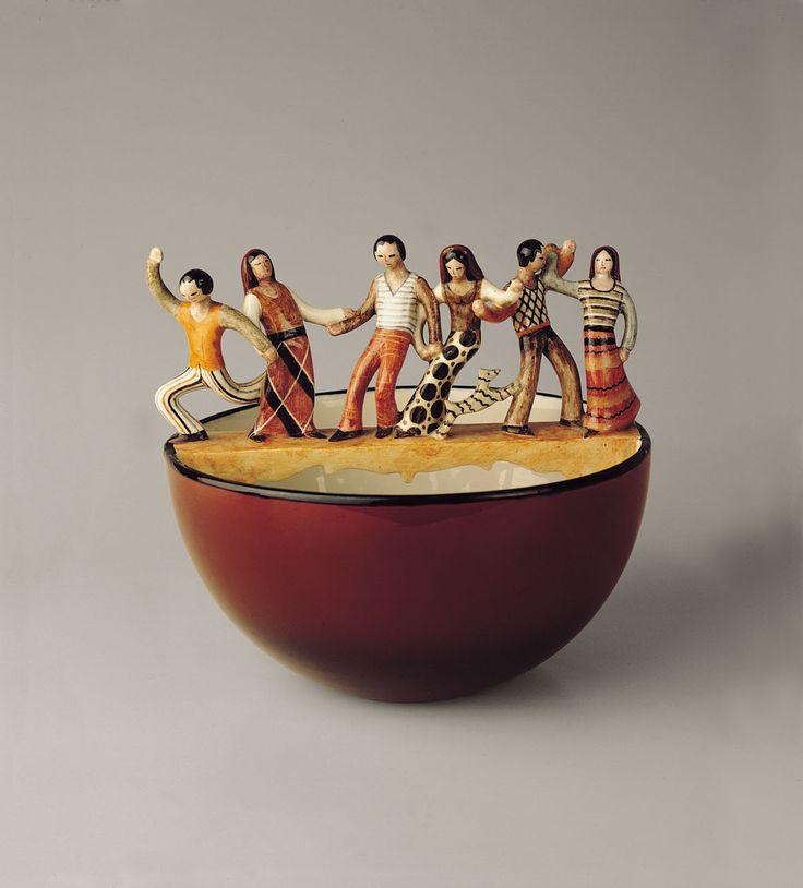 Mario Sturani, Ciotola – Il ponte / Contadini danzanti, 1930, per la Manifattura Lenci, Torino - See more at: http://www.tripartadvisor.it/la-fragile-bellezza-ceramiche-italiane-darte-liberty-informale/