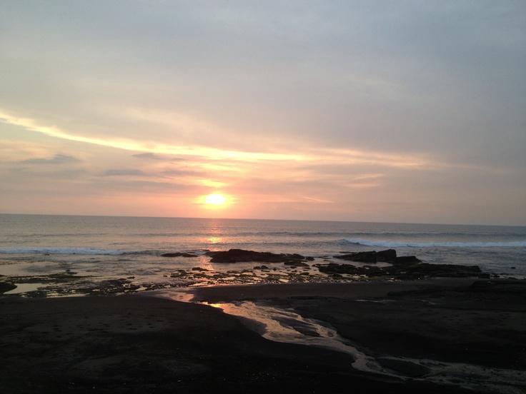 Amazing #sunset in #bali #tanahlot
