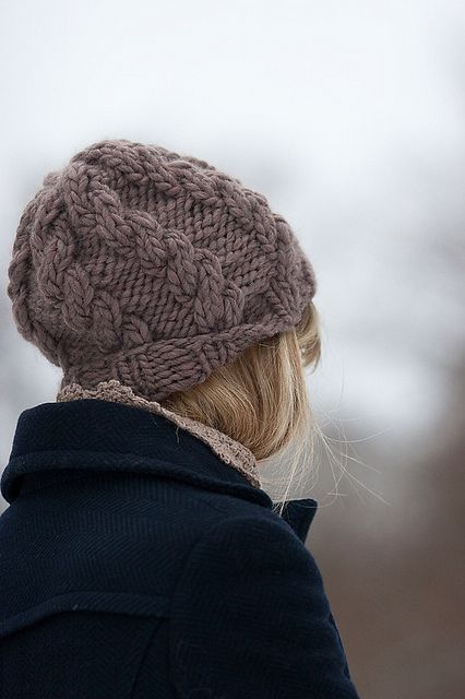 Bulky hat - free pattern download knitting hat free patterns Pinterest ...