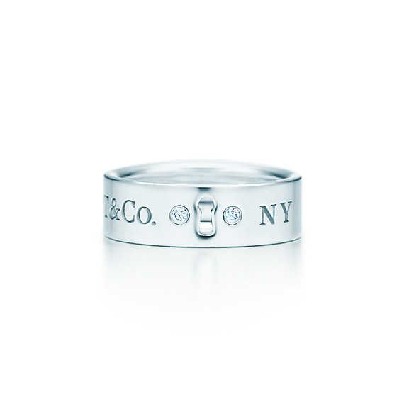 Tiffany Locks ring in sterling silver with diamonds.