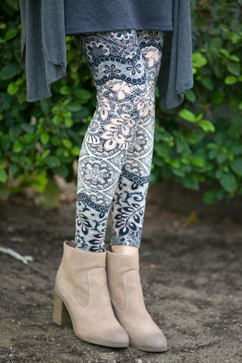 Leaves and Lace Leggings | White Plum