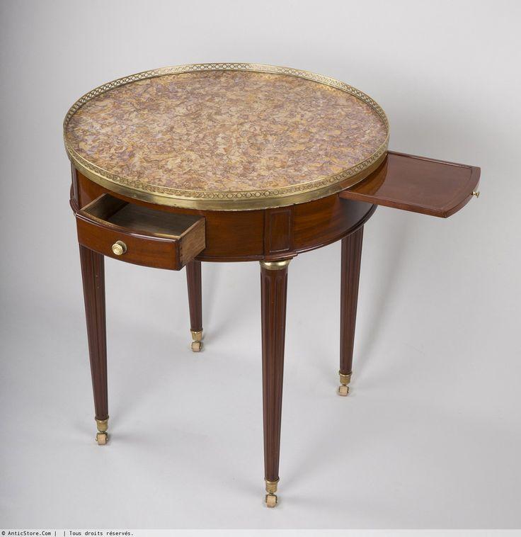 TABLE DE BOUILLOTE en acajou d'époque Louis XVI (cerclé de laiton, avec tiroir et tirette). Pour jouer à un jeu de société appelé Jeu de Bouillote