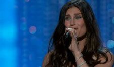 """Idina Menzel Performs """"Let It Go"""" During the 2014 Oscars"""