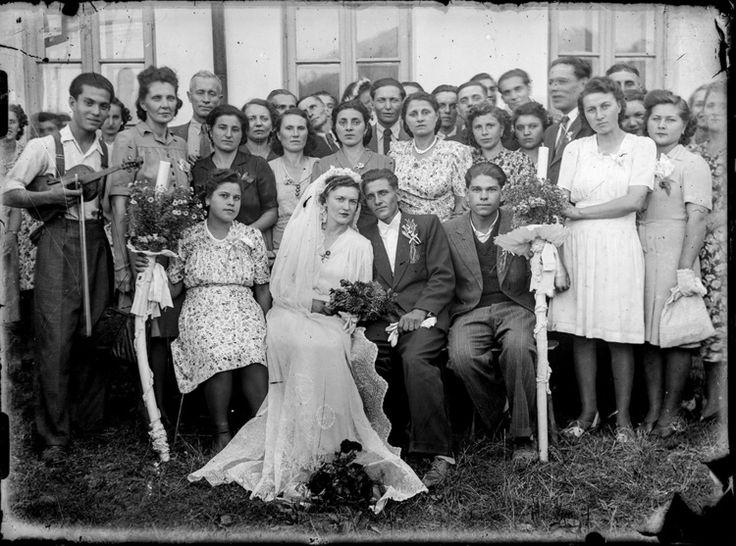 Vintage Romanian wedding party. Photo by Costica Acsinte.