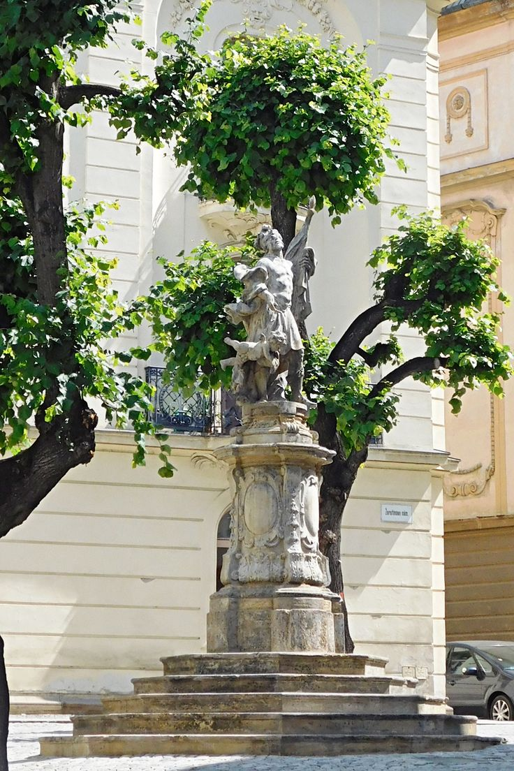 Olomouc - Žerotínovo nám. , socha sv. Floriána