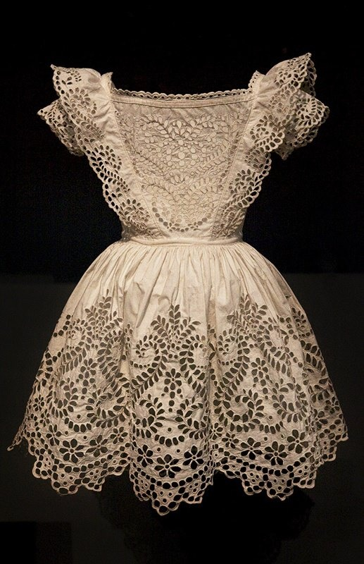 England c.1855. The boy's frock incorporates a white-work technique, broderie anglaise, in which small eyelets are outlined with sturdy embroidery stitches and cut out of the ground fabric. Although the result resembled lace. Los Angeles County Museum of Art.    https://sphotos-a.xx.fbcdn.net/hphotos-prn1/33987_270716133061164_1032513203_n.jpg