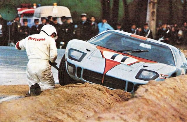 1968 .. Le Mans , entered by J.W. auto.eng. , Ford GT40 ,driven by Brian Muir / Jackie Oliver , DNF>clutch after accident .