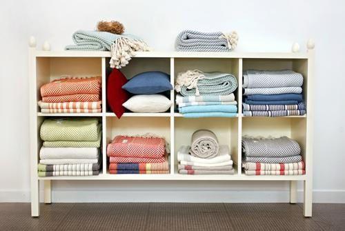 14 best images about blanket storage on pinterest for Comforter storage ideas