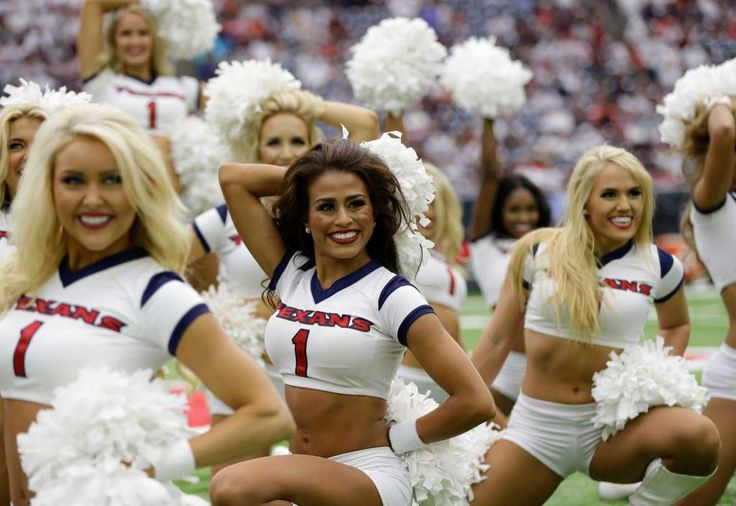 The Houston Texans Cheerleaders perform before NFL football game Sunday, Sept…