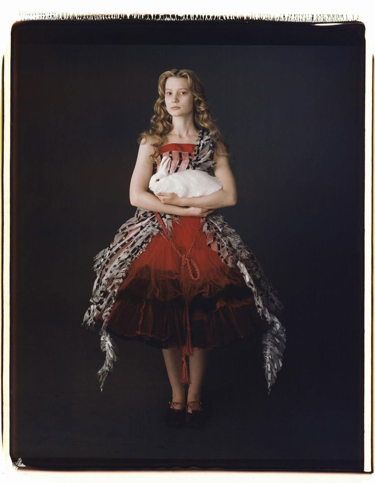 Alice in Wonderland: there's just something i love about that dress