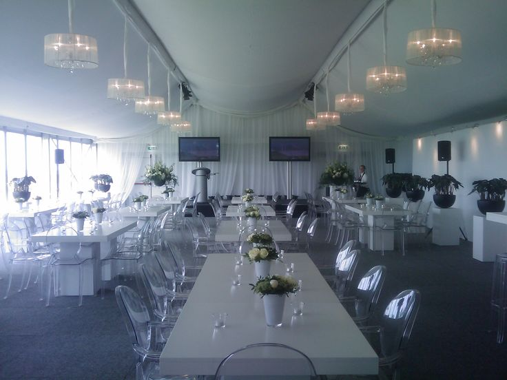 A diffrent kind of look gave these chandeliers on a private event.  #chandeliers #rental #private #event