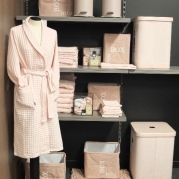 Badlinnen - Wasmand - Afvalemmer - Zeeppomp Allen verkrijgbaar bij Ravago Fashion & Home - Arendonk