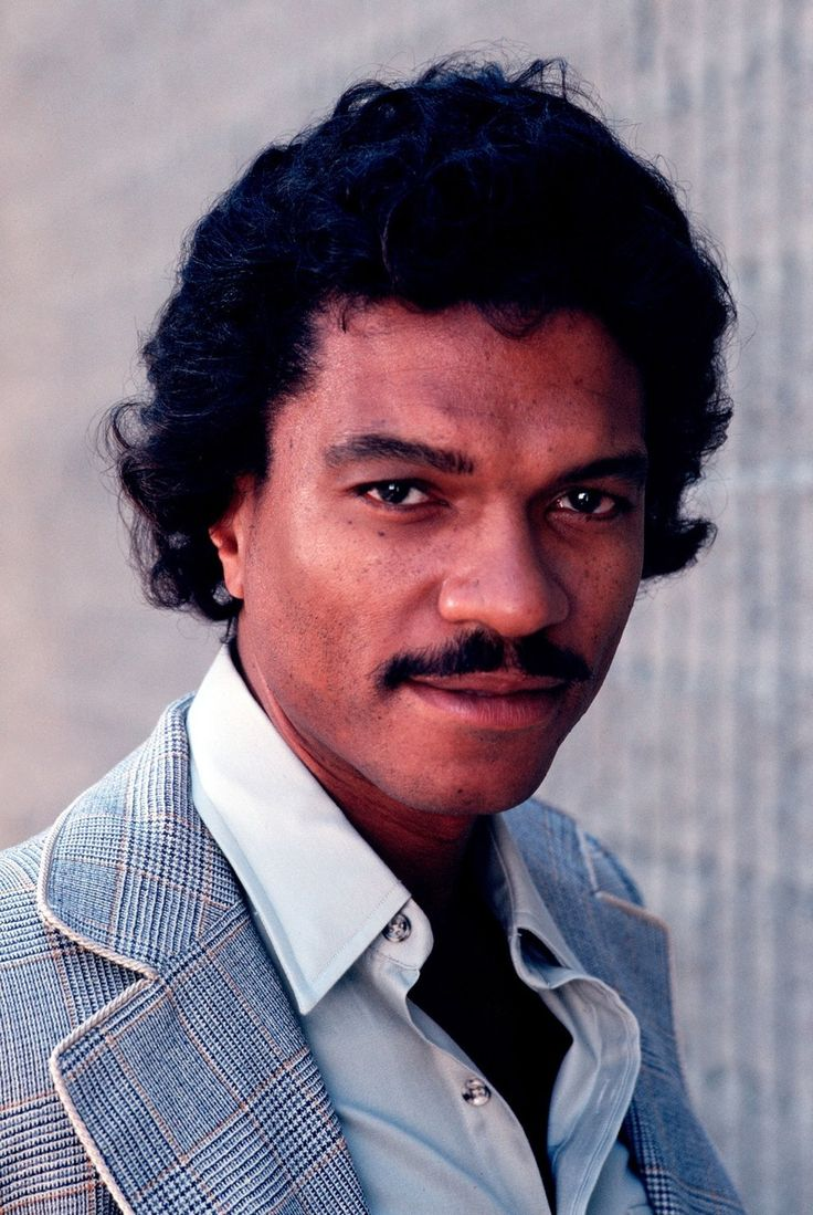 The always charming Billy Dee Williams. | 29 Old School Black Actors Who Were Absolute Stunners