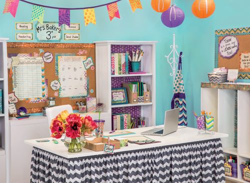 If you're still looking for some teacher desk inspiration, let us help!