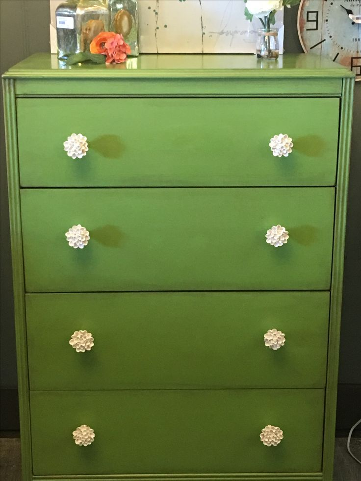 Inspired by the colour of the year for 2017, this vibrant dresser is aged slightly with brown wax and adorned with Ivory coloured porcelain floret knobs.