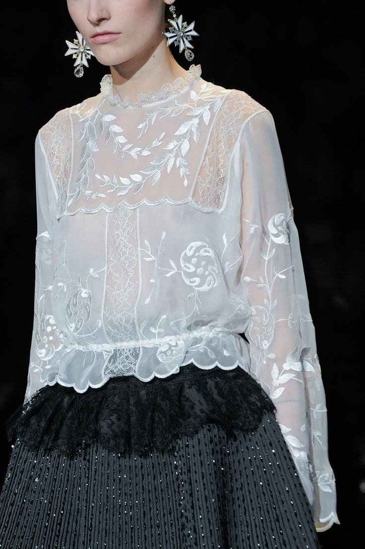 Chic white embroidered blouse; fashion details // Alberta Ferretti Fall 2013