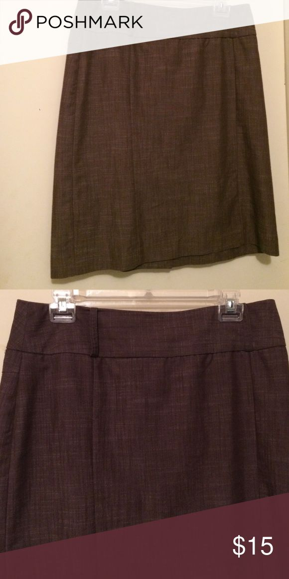 Brown pencil skirt This brown knee length pencil skirt is a great price to wear to the office. Perfect match to any top! Great condition Skirts Pencil