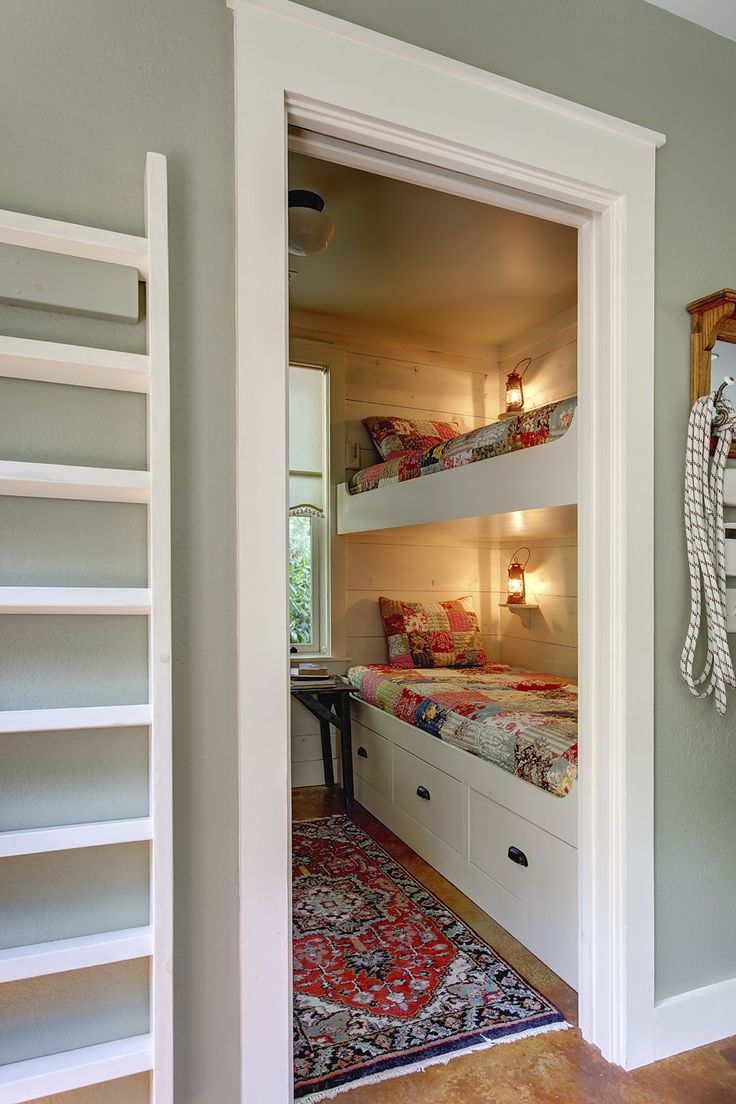 love a bunk room for guests...for the guest room when you get. Bunk Bed  RoomsCabin ...