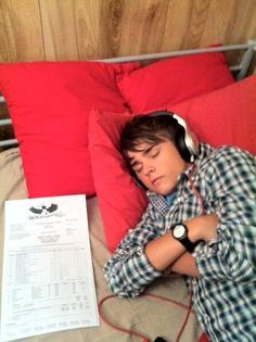 Awww...young Dean is so cute when he is sleeping. Dylan Everett.